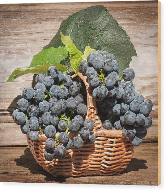 Grapes And Leaves In Basket Wood Print
