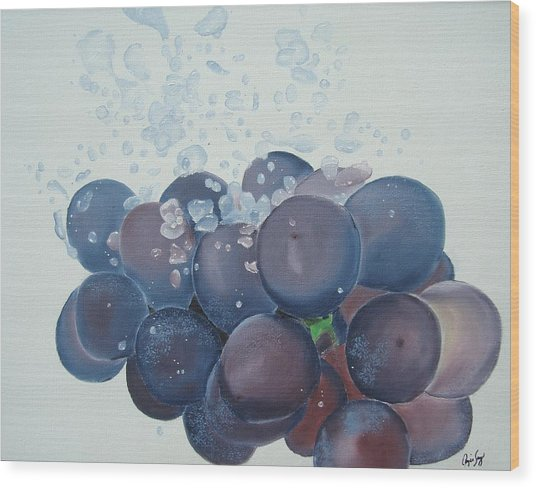 Grapes In Water Wood Print by Angela Melendez