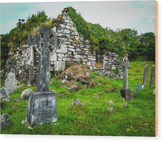 Graveyard And Church Ruins On Ireland's Mizen Peninsula Wood Print