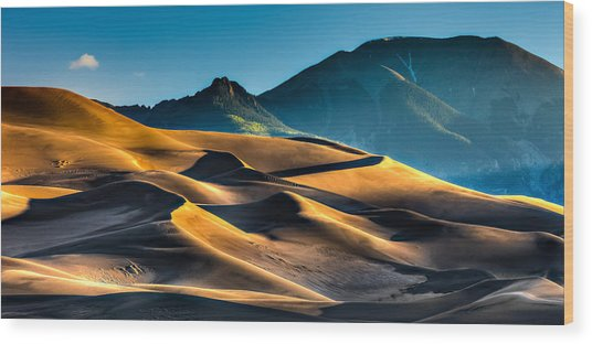 Great Sand Dunes At Dawn Wood Print