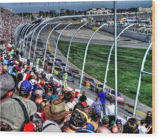 Green Flag 2010 Daytona 500 Wood Print