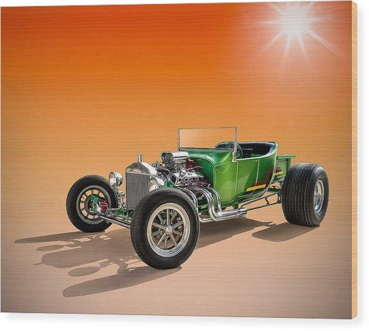 Green T With An Orange Twist Wood Print