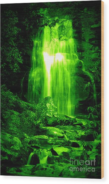 Green Waterfall Wood Print