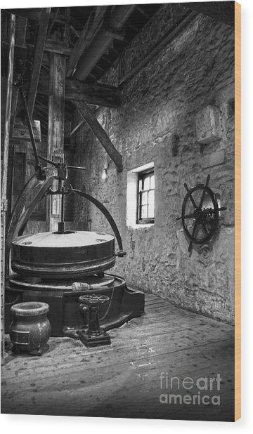 Grinder For Unmalted Barley In An Old Distillery Wood Print
