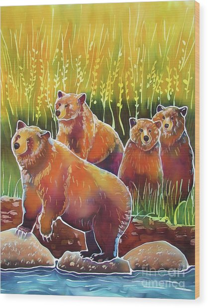 Grizzlies On Wapiti Creek Wood Print by Harriet Peck Taylor