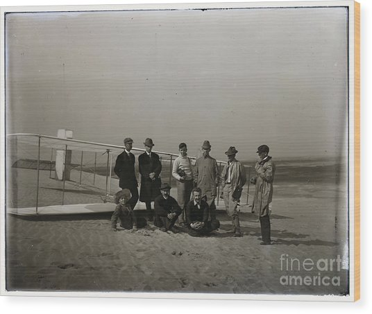 The Wright Brothers Group Portrait In Front Of Glider At Kill Devil Hill Wood Print