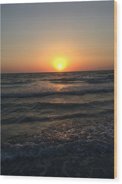 Halo Sun At Indian Rocks Beach Wood Print