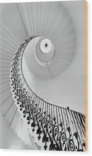 Harmony - London Wood Print by Hernan Calderon Velasco