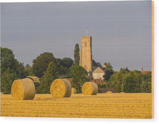 Harvest Scenes In The East Of England Wood Print by GKS Images