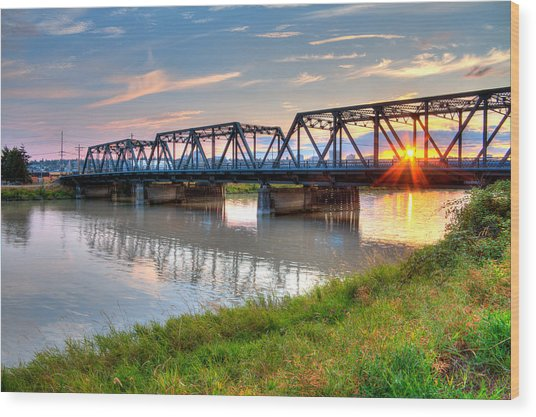 Hdr - Sunset On Lincoln Ave. Bridge  Wood Print