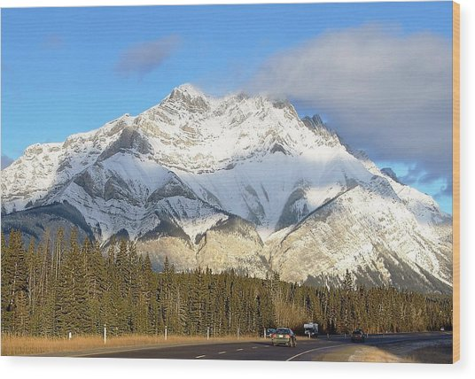 Heading For Banff Wood Print by George Cousins