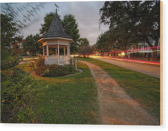 Heights Boulevard Gazebo Wood Print