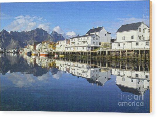 Henningsvaer Harbour Wood Print