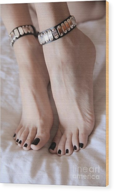 Her Amazing Feet Wood Print by Tos