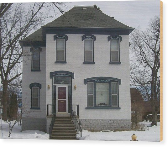 Historic Home Menominee Wood Print