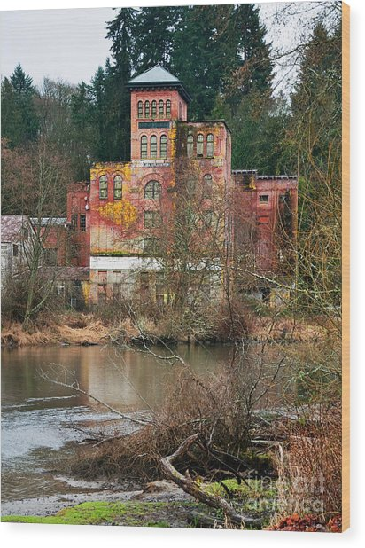 Historic Old Brewery By Creek Wood Print