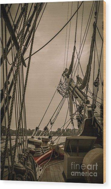 Hms Bounty Port Bow Wood Print