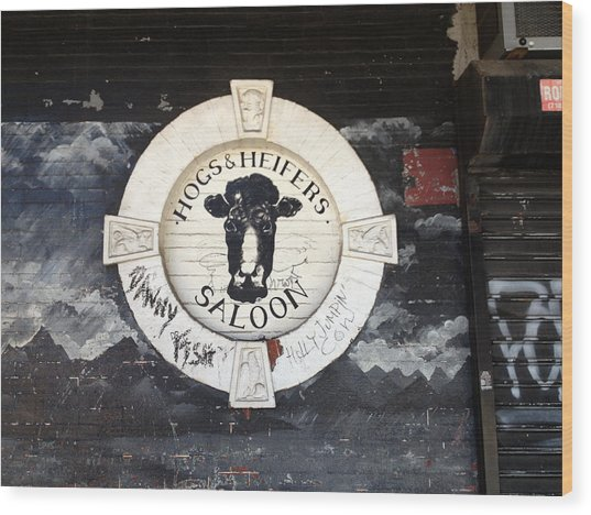 Hogs And Heifers Saloon Sign New York Wood Print