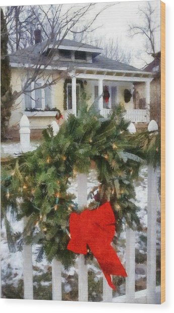 Holiday In The Neighborhood Wood Print