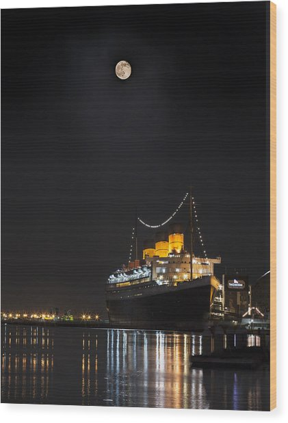 Honey Moon Reflects With The Queen By Denise Dube Wood Print