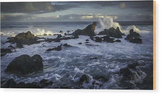 Hookipa Beach Sunrise Wood Print