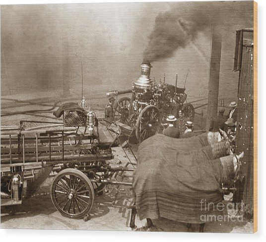 Horse Drawn Water Steam Pumper Fire Truck Circa 1906 Wood Print