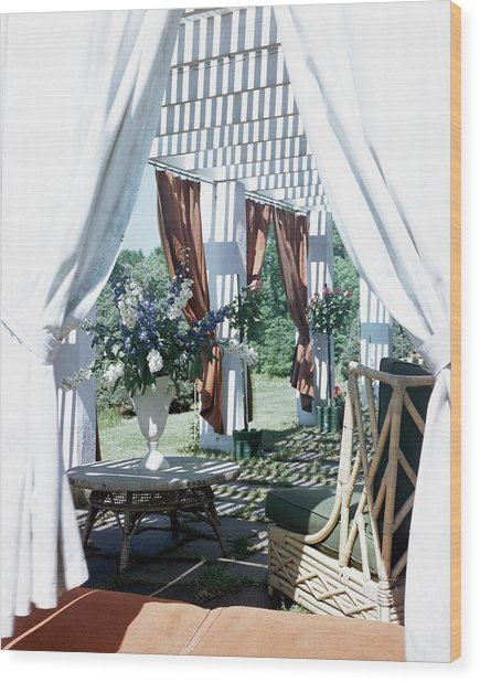 Horst's Patio In Long Island Wood Print