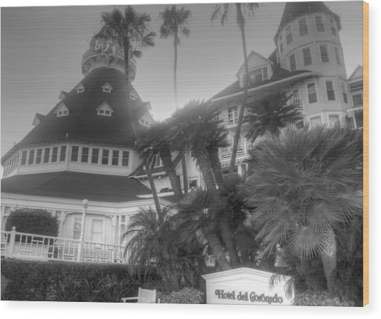 Hotel Del At Sunset Wood Print