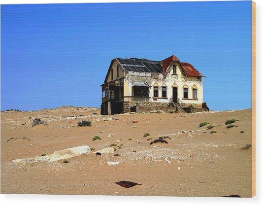 House In The Desert Wood Print by Riana Van Staden