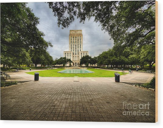Houston City Hall On A Weekend Morning Wood Print by Dee Zunker