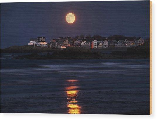 Hull Moonshine Wood Print