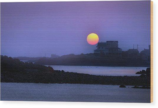 Hull Of A Sunrise Wood Print
