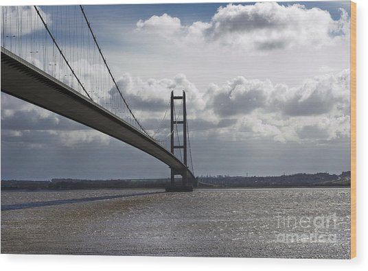 Humber Bridge. Wood Print by Andrew Barke