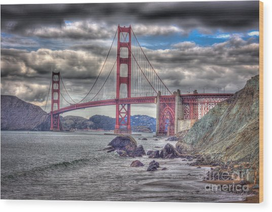 Iconic Golden Gate Bridge Wood Print