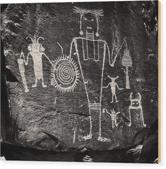 Iconic Petroglyphs From The Freemont Culture Wood Print