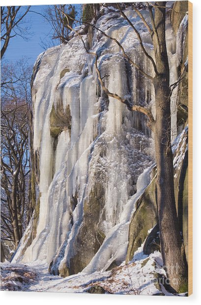 Icy Rocks Wood Print by Lutz Baar