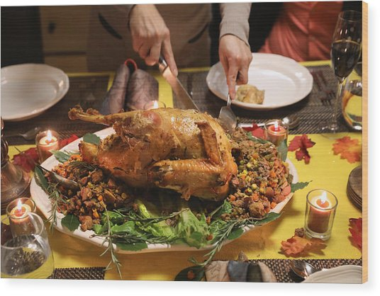 Immigrant Families Celebrate Thanksgiving In Connecticut Wood Print by John Moore