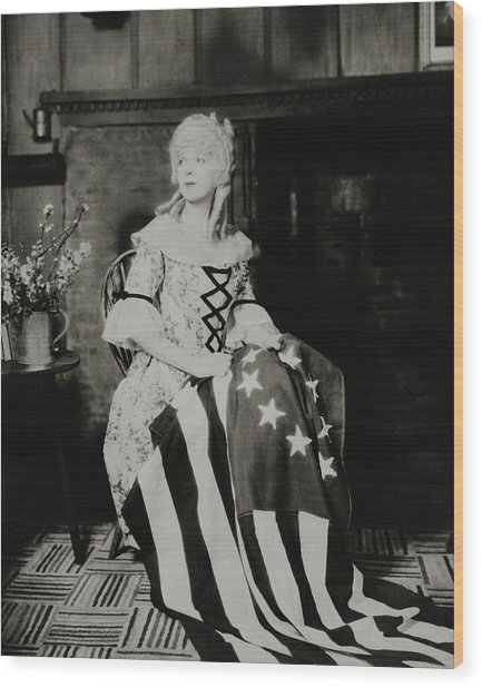 Ina Claire As Betsy Ross Wood Print