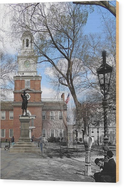 Independence Hall Courtyard Wood Print