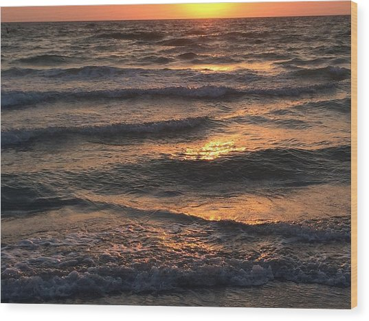 Indian Rocks Beach Waves At Sunset Wood Print