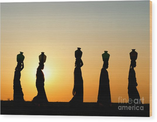 Indian Women Carrying Water Pots At Sunset Wood Print