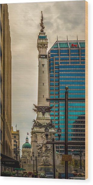 Indiana - Monument Circle With State Capital Building Wood Print