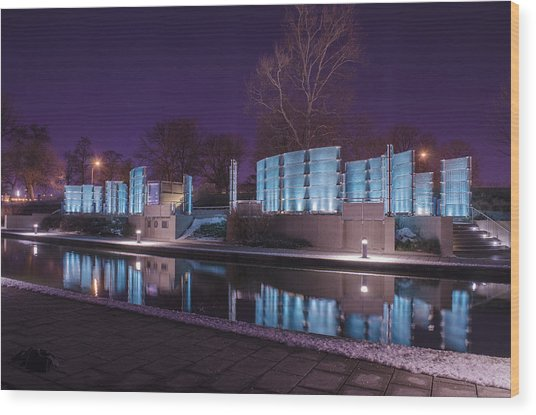 Indianapolis Canal Walk Medal Of Honor Memorial Night Lights Wood Print