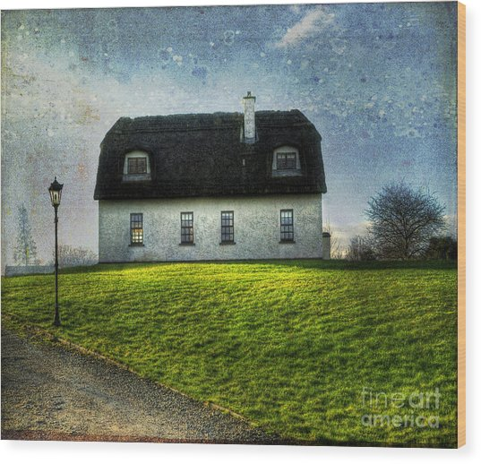 Irish Thatched Roofed Home Wood Print