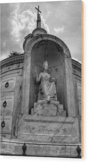 Italian  Benevolent Society Tomb In Black And White Wood Print