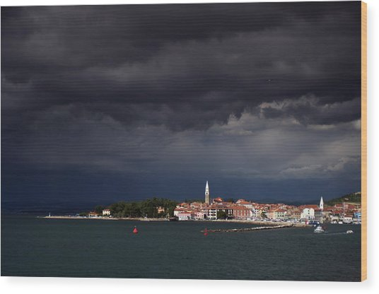 Izola In The Eye Of A Storm Wood Print