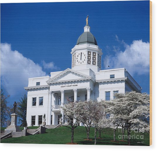 Jackson County Courthouse 2006 Wood Print by Matthew Turlington