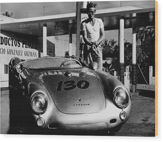 James Dean Filling His Spyder With Gas In Black And White Wood Print