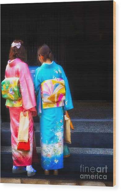 Japanese Women Wearing Beautiful Kimono Wood Print
