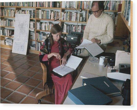 Joan Didion And John Gregory Dunne Wood Print